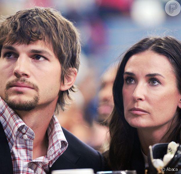 Ashton Kutcher e Demi Moore estão oficialmente divorciados, em 26 de novembro de 2013