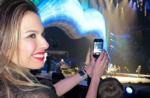 Luciana Gimenez tieta o cantor Mick Jagger, pai do seu filho: 'Papa do Lucas'