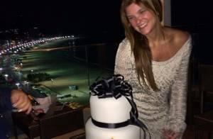 Cristiana Oliveira comemora aniversário de 50 anos com vestido curto