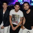No Meus Prêmios Nick 2016, Luan Santana posou para as fotos com Zé Felipe e João Guilherme