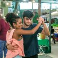 Lellêzinha e Felipe Simas mostraram requebrado em aula especial ao Purepeople