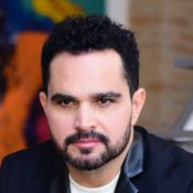 Luciano Camargo sai da dieta às segundas-feiras: 'Como mandioca o dia inteiro'