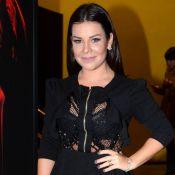 Fernanda Souza posa decotada após redução dos seios e é elogiada: 'Mulherão'