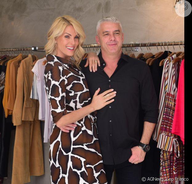 Ana Hickmann posou com o marido, Alexandre Corrêa, ao lançar a coleção de inverno da sua grife, neste domingo, 23 de outubro de 2016