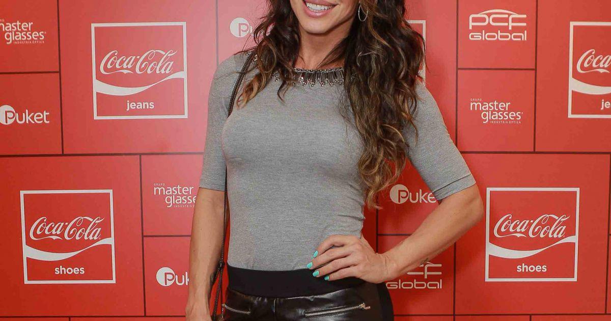 6e76f0625 A ex-BBB Jaque Khury esteve na festa da Coca-Cola Jeans no PanAm Club, em  São Paulo - Purepeople