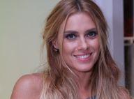 Carolina Dieckmann posa de biquíni e magreza impressiona fãs: 'Depressão?'