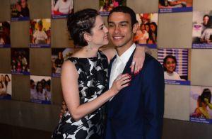 Sophia Abrahão e Sergio Malheiros trocam carinhos em jantar de gala em SP. Fotos