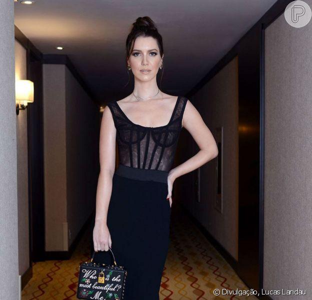 Nathalia Dill apostou num look sexy para a festa de lançamento da novela 'Rock Story'
