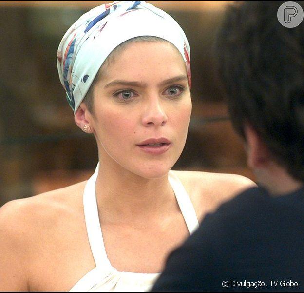 Letícia (Isabella Santoni) fica sabendo que Tiago (Humberto Carrão) terminou com ela por causa de outra mulher, na novela 'A Lei do Amor', em novembro de 2016
