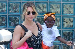 Giovanna Ewbank posta foto da filha, Títi, estilosa de maiô:'Bailarina nadadora'
