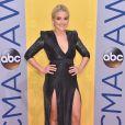 Veja fotos dos looks das famosas no Country Music Awards, premiação de música country, que aconteceu nesta quarta-feira, 2 de novembro de 2016, em Nashville, nos Estados Unidos