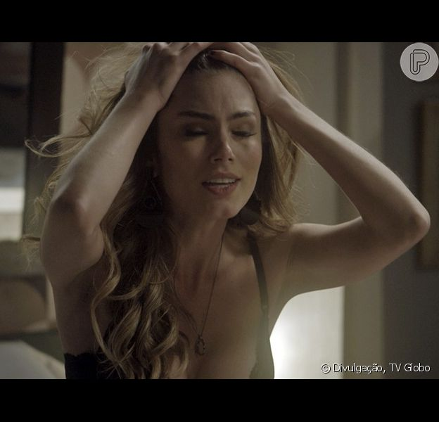 Camila (Bruna Hamú) é agredida e fica com um olho roxo ao fazer programa, na novela 'A Lei do Amor'