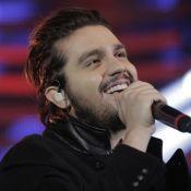 Luan Santana passa cantada em Maria Joana no 'Domingão': 'Tô hipnotizado aqui'