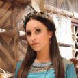 Melina (Carla Diaz) deixa Ai a cavalo e é salva do ataque de beduínos por Iru (Guilherme Boury), na novela 'A Terra Prometida', a partir da terça-feira, 15 de novembro de 2016