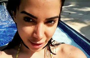 Anitta curte folga de biquíni com Nego do Borel: 'Pega essa amizade'. Vídeo!