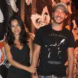 Nando Rodrigue está solteiro desde Março, quando terminou o namoro com a atriz Yanna Lavigne. Os atores estavam juntos desde setembro de 2015 e faziam planos de morar juntos