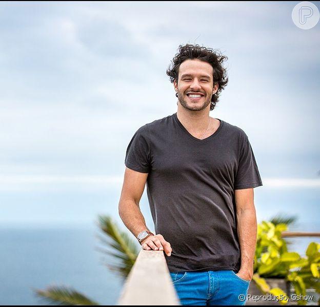 Nando Rodrigues assume namoro com a modelo Yasmin Volpato