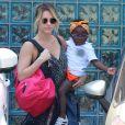 Um perfil anônimo deixou comentários racistas sobre Títi no perfil de Giovanna Ewbank