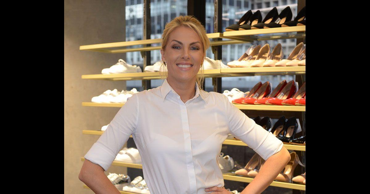 0d1e0bde6fcff Ana Hickmann lança sapatos e relembra passado   Quando comecei como marca   - Purepeople
