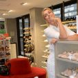6fef5031fde90 Ana Hickmann lança sapatos para a Riachuelo em evento nesta quinta ...