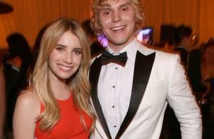 Emma Roberts e Evan Peters, estrelas de 'American Horror Story', estão noivos