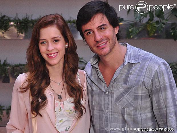 Na penúltima semana de 'Amor à Vida', Natasha (Sophia Abrahão) procura Thales (Ricardo Tozzi) e o pede em casamento, em 23 de janeiro de 2014