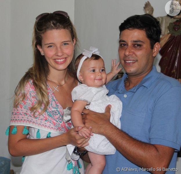 Debby Lagranha batizou a filha, Maria Eduarda, neste domingo, 12 de janeiro de 2014