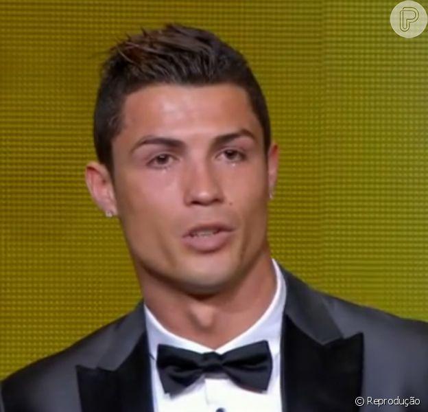 Cristiano Ronaldo foi eleito o melhor jogador de 2013 durante o evento Bola de Ouro, que aconteceu na Suíça, na tarde desta segunda-feira, 13 de janeiro de 2014