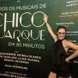 Alessandra Maestrini prestigia o espetáculo 'Todos os Musicais de Chico Buarque em 90 Minutos', no Rio