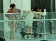 Fátima Bernardes recebe carinho de fãs ao fazer compras em shopping. Fotos!