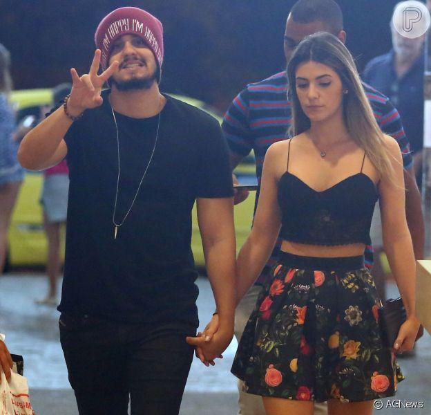 Luan Santana reata namoro com Jade Magalhães e casal vai passar Réveillon junto. Informação foi confirmada por fonte do Purepeople nesta quarta-feira, 28 de dezembro de 2016