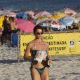 De biquíni, Leticia Spiller correu na praia de Barra da Tijuca nesta quarta (28)