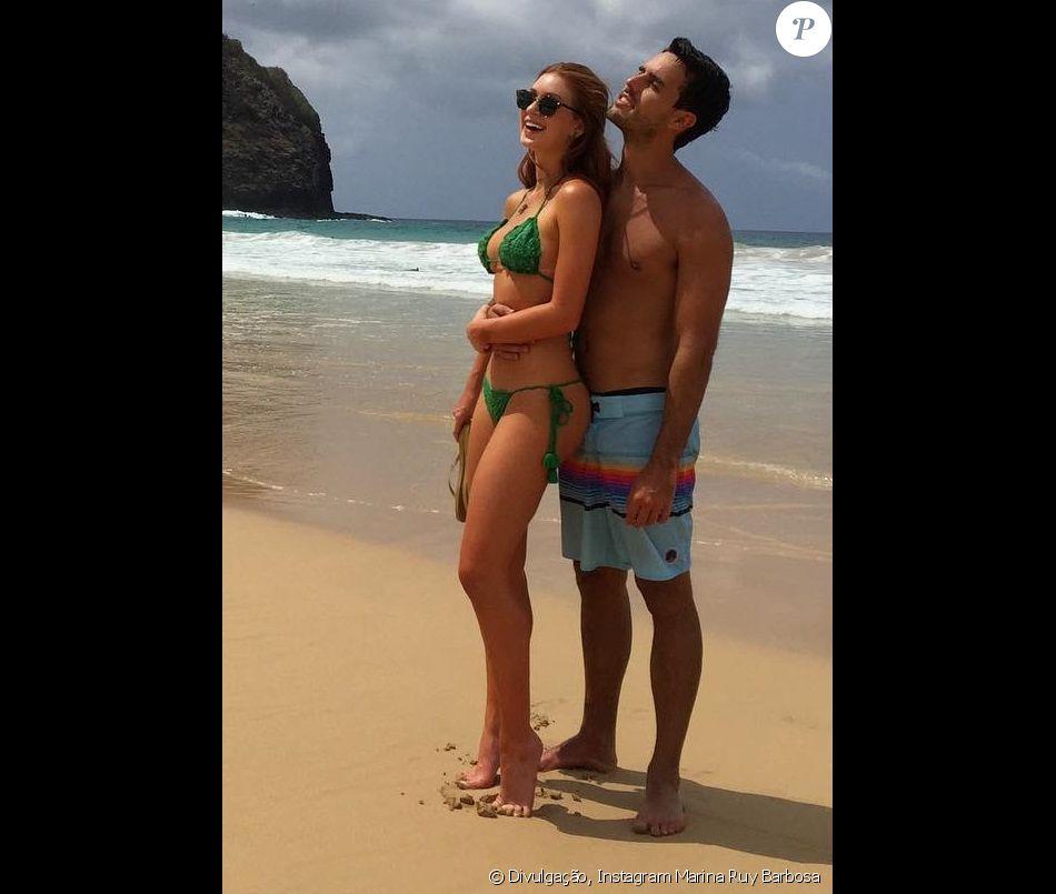 Marina Ruy Barbosa exibiu o corpão, ao lado do noivo, em dezembro de 2016, em Fernando de Noronha