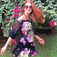 Marina usou o vestido preto com estampa floral na Bahia