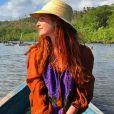 O chapéu é essencial para proteger do calor. E Marina Ruy Barbosa mostra como usar a peça dando um charme a mais durante viagem a Alagoas