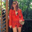 Saídas de crochê é uma das escolhas de Marina Ruy Barbosa, como a bata vermelha da marca Borana