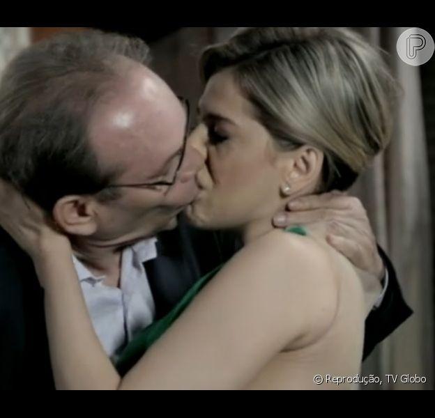 Ordália (Eliane Giardini) vê Herbert (José Wilker) beijando Edith (Bárbara Paz), em 'Amor à Vida', em 27 de janeiro de 2014