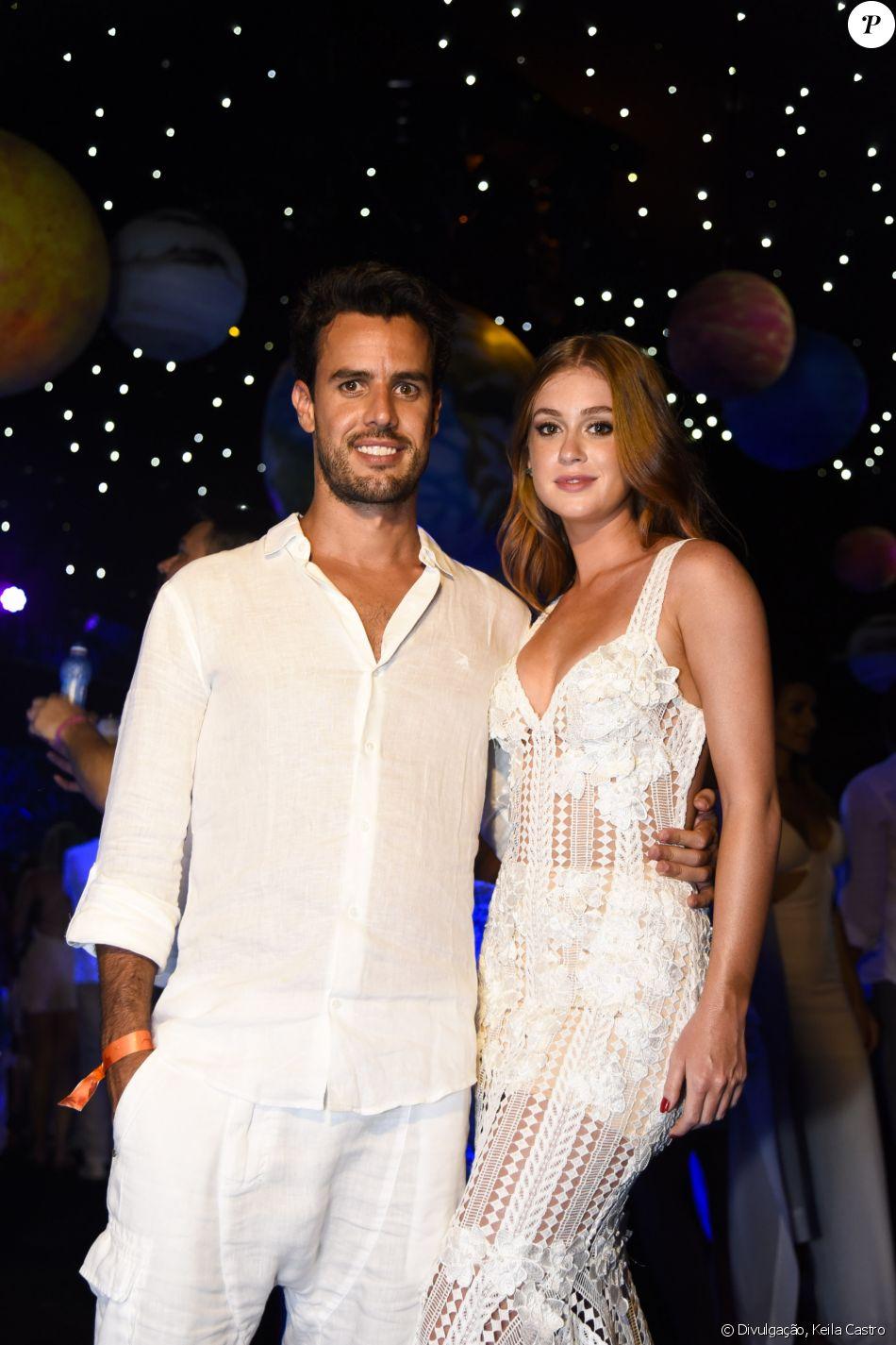 Marina Ruy Barbosa e Xandinho Negrão receberam 2017 em  Fernando de Noronha