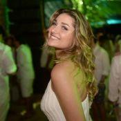 Sasha surge dançando com amigos em festa de Réveillon em Trancoso. Vídeo!