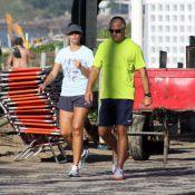 Patrícia Poeta volta a se exercitar no Leblon, RJ, ao lado do marido após férias