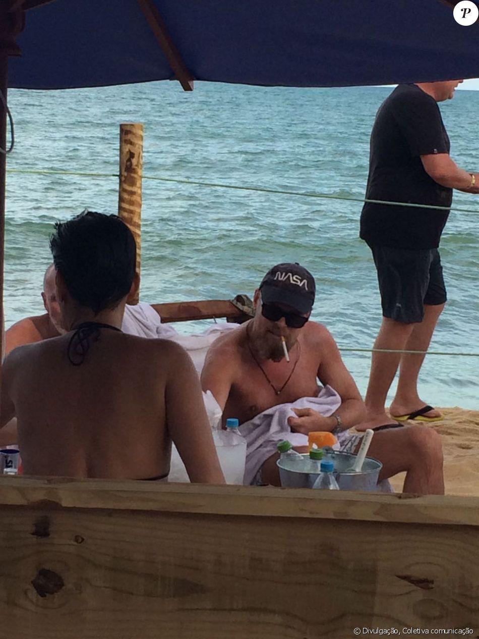 Agência nega ter contratado sósia de Leonardo DiCarprio em Trancoso, na Bahia: 'Surpresos'