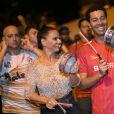 Viviane Araujo tocou tamborim no ensaio de rua do Salgueiro