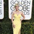 Reese Witherspoon de Atelier Versaceno Globo de Ouro 2017, em Los Angeles, nos Estados Unidos, na noite deste domingo, 8 de janeiro de 2017
