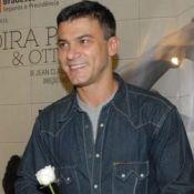 Leonardo Vieira, de 'Os Dez Mandamentos', é vítima de ataques homofóbicos na web