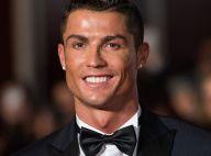 Cristiano Ronaldo posa com sua nova namorada em prêmio da Fifa. Saiba quem é!