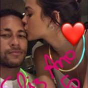 Neymar se declara para a namorada, Bruna Marquezine, em foto: 'Minha mulher'