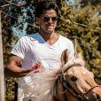 Rodrigo Simas faz preparação para viver o índio Piatã, na novela 'Novo Mundo'
