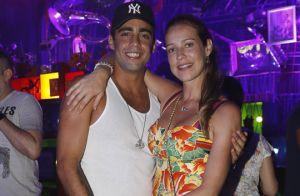 Pedro Scooby tira barba e exibe o novo visual em festa com Luana Piovani. Fotos!