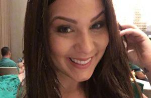 Ex-BBB Cacau fica morena e exibe nova cor do cabelo em vídeo: 'Me achando!'