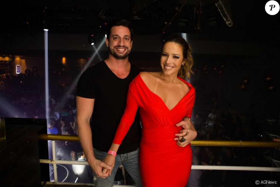 Renata Domínguez assumiu namoro com o advogado Marcio Bruzzi. 'Estou feliz', disse a atriz para o colunista Leo Dias, do jornal 'O Dia', nesta terça-feira, 17 de janeiro de 2017